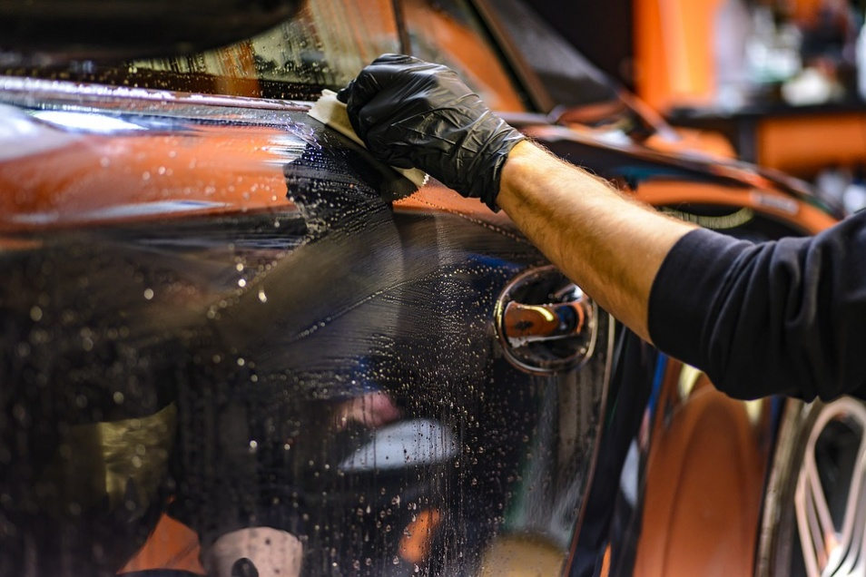 How to go about choosing a good car detailing service